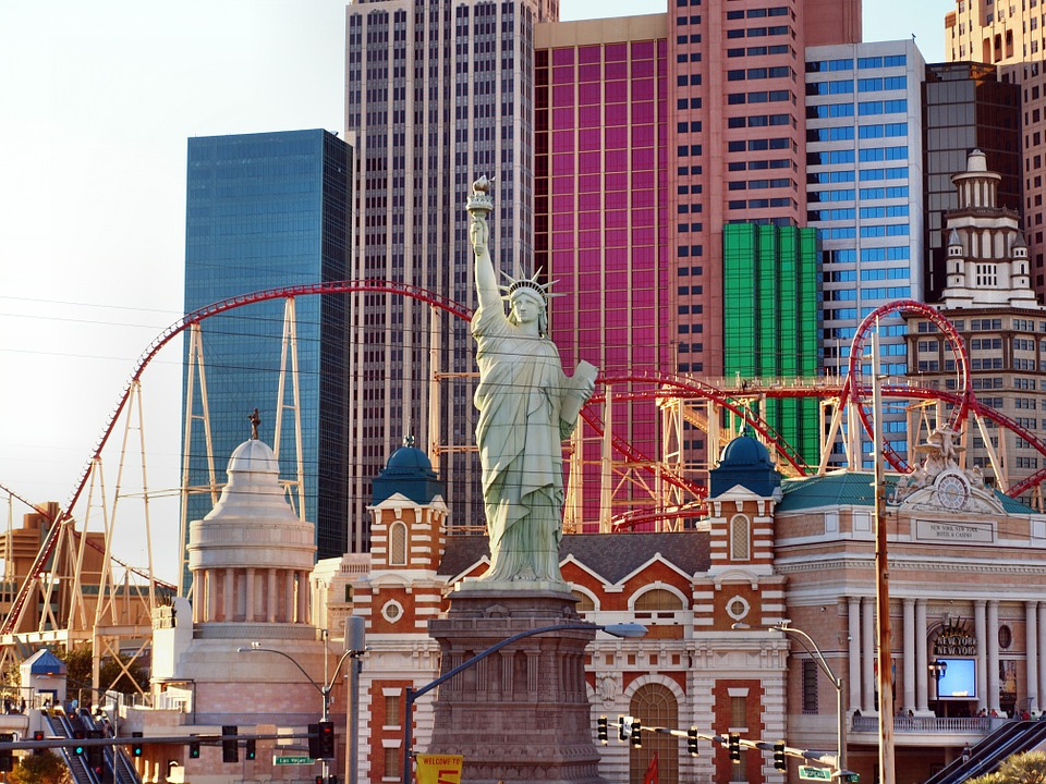 Things To Do In Las Vegas (Besides Drinking and Gambling)