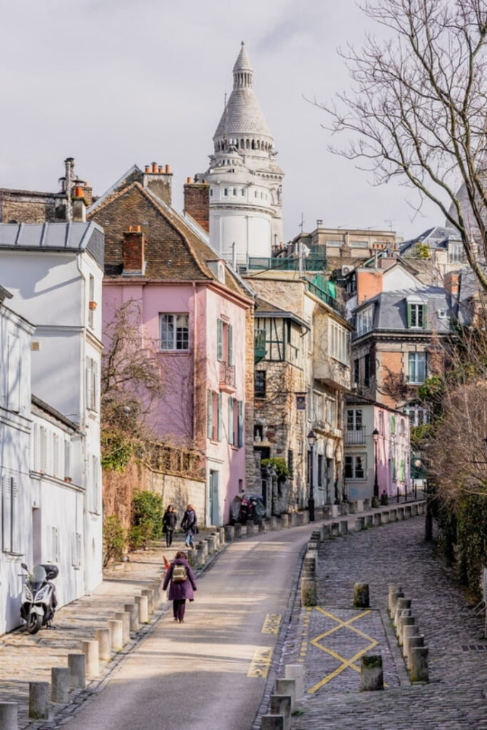 Paris Explorer Pass review - Montmartre walking tour