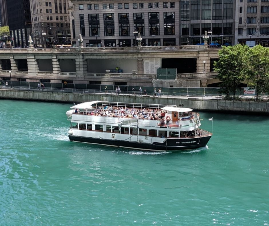 Free boat cruise with Chicago explorer pass