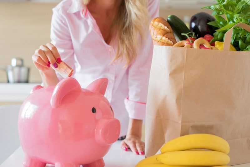 how to cut your monthly expenses
